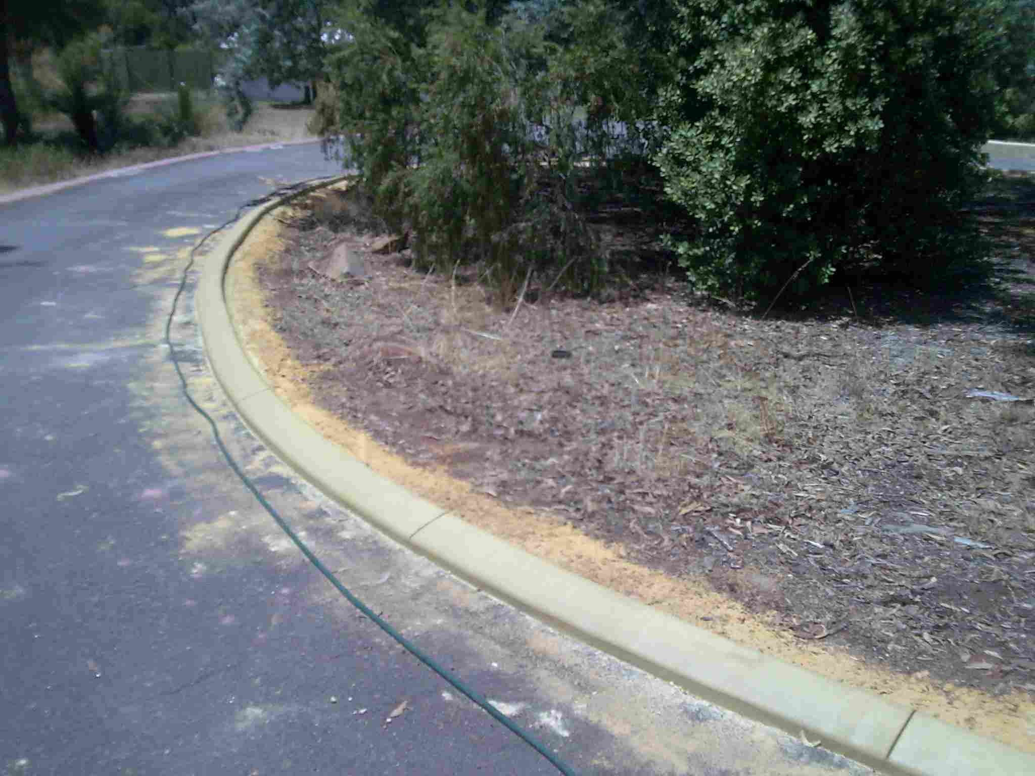 Kerbing sloping edge